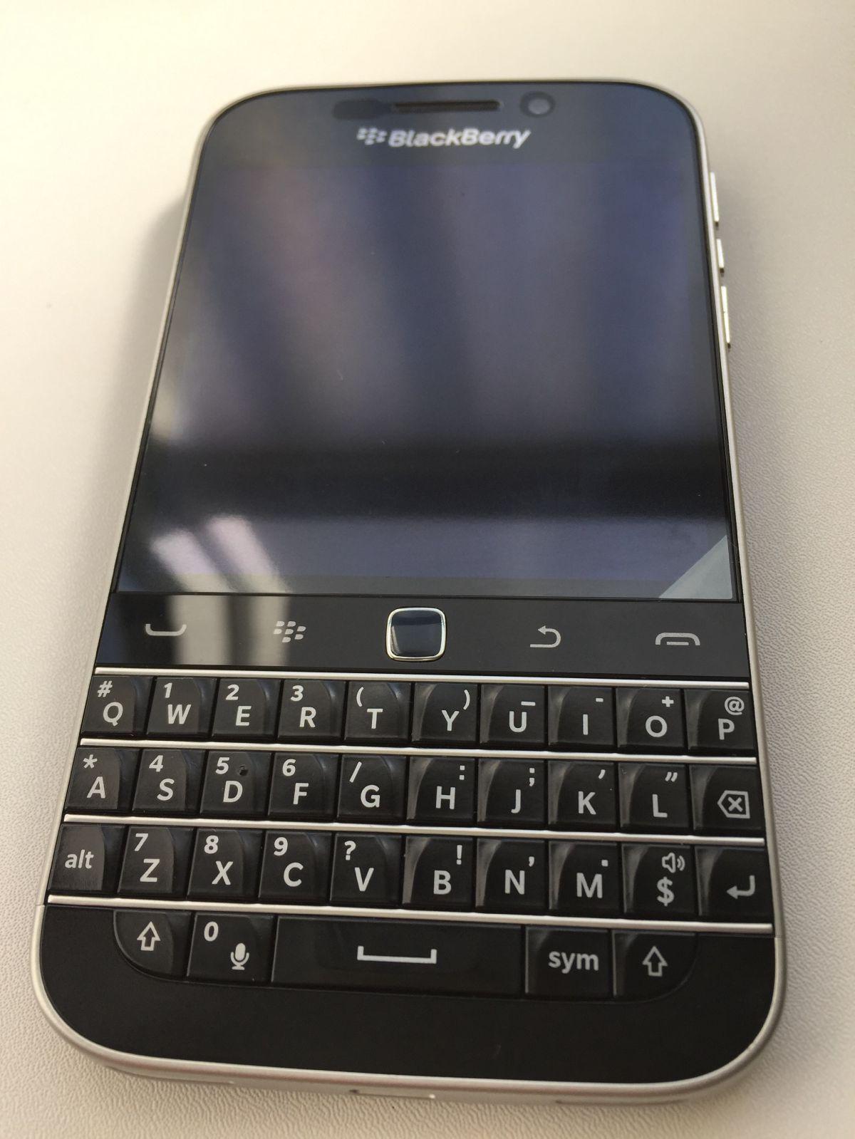 BlackBerry Classic外観1